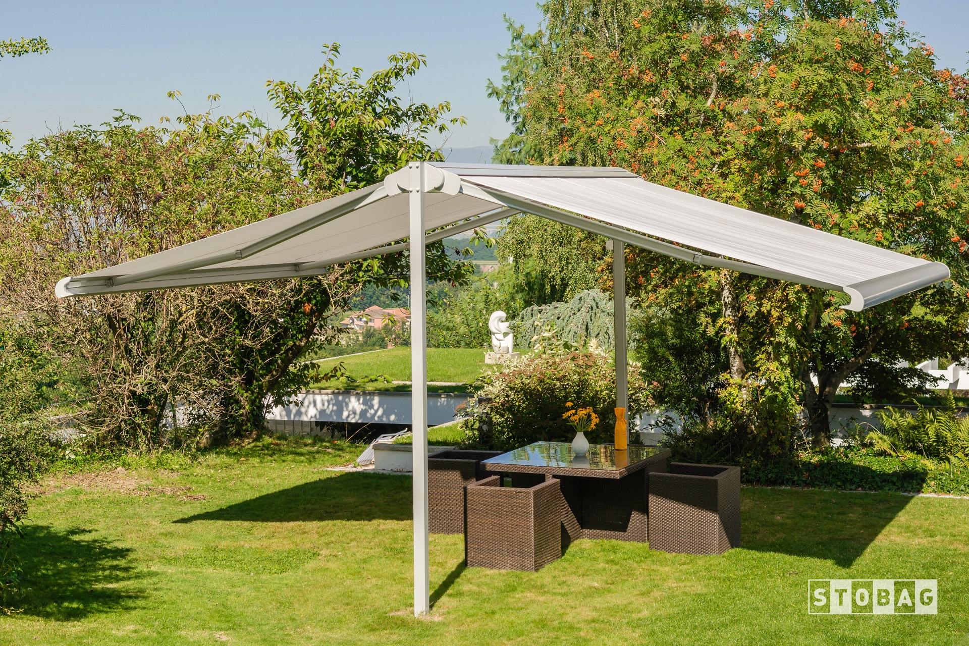 Stand alone retractable motorized dual awning