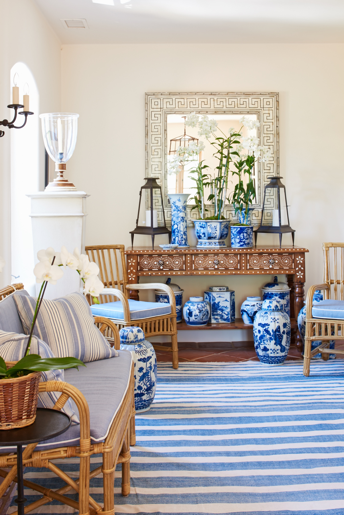 Blue seat cushions with contrast piping