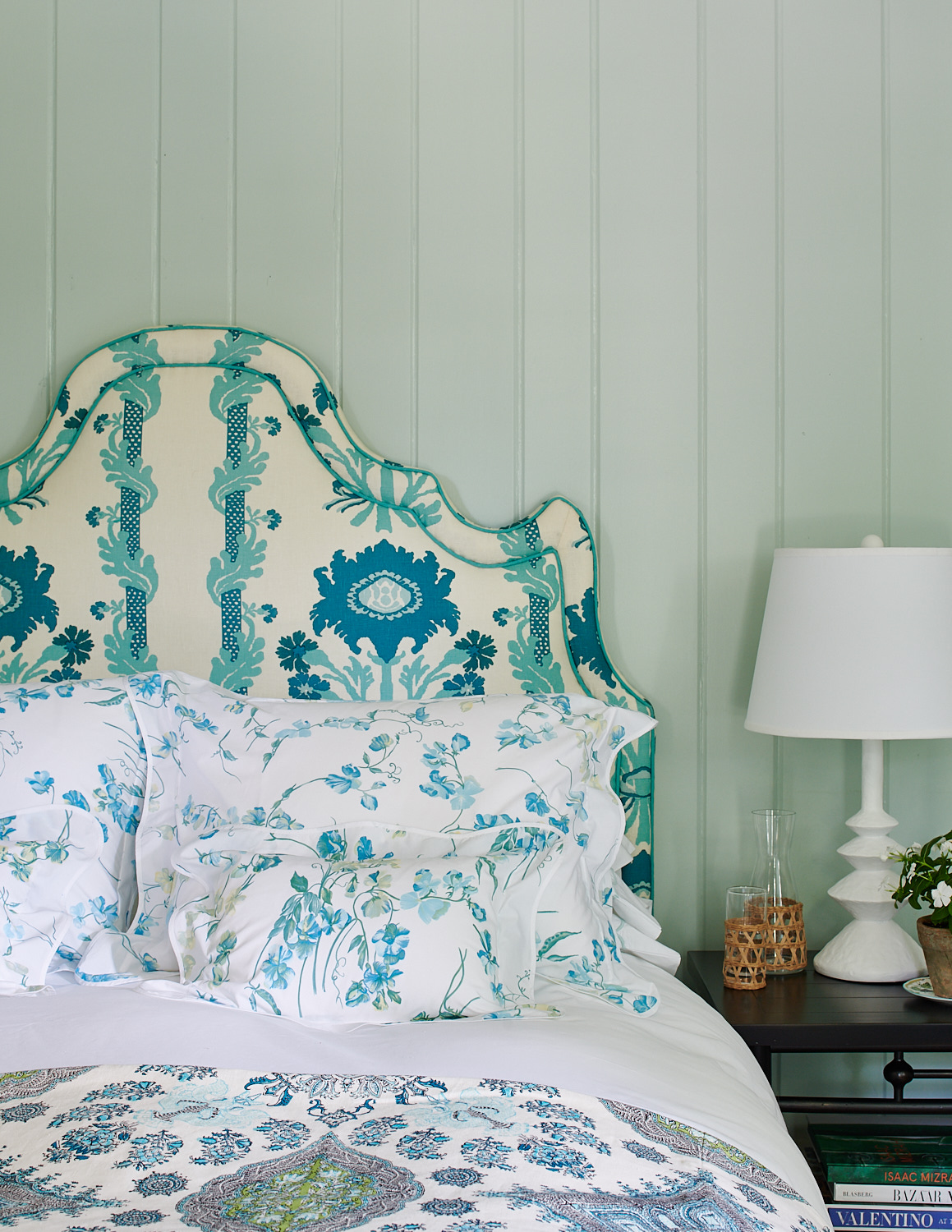 Upholstered headboard with shams pillows