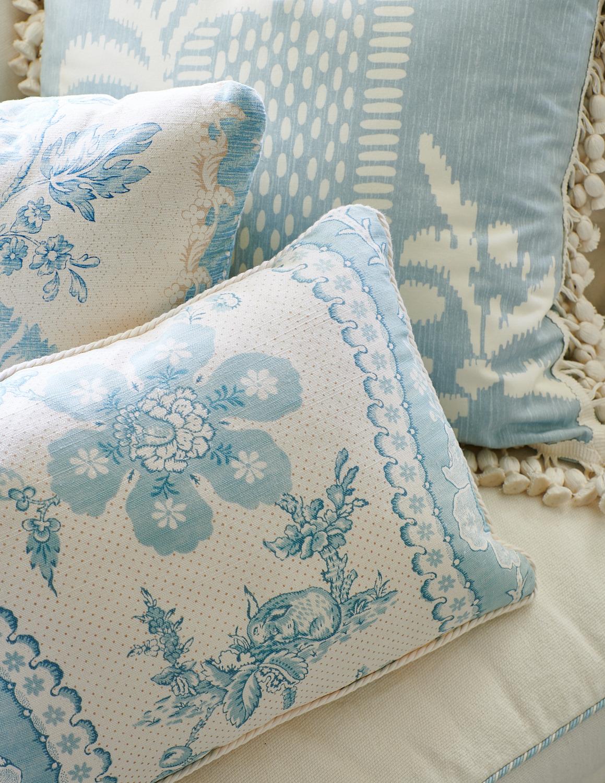 Custom-trimmed pillows